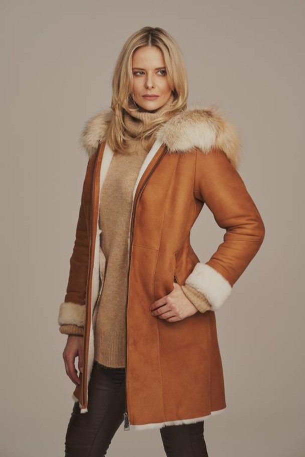 Women's sheepskin coat with hood