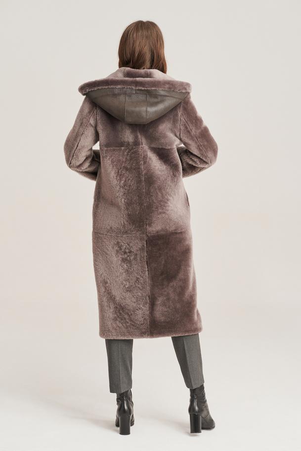 Dámsky dlhý, obojstranný kabát z ovčej kože s kapucňou