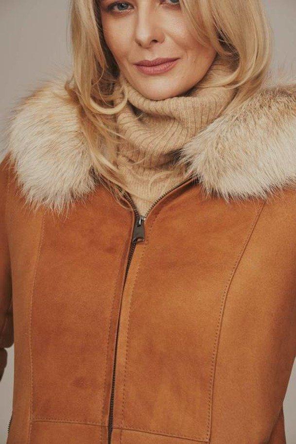 Dámsky zimný kabát s líščou kapucňou